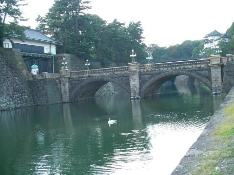 mon009.JPG 皇居 正門石橋